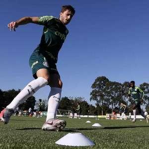 Matías Viña é convocado pelo Uruguai e desfalca o Palmeiras
