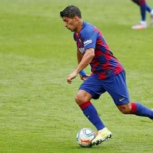 Pirlo admite que Suárez está distante da Juventus: ...