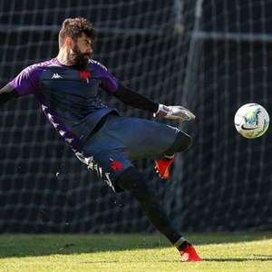 Vasco terá time misto contra o Coritiba, neste domingo