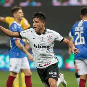 """Corinthians exalta Roni e posta """"antes e depois"""" do ..."""
