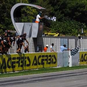 Rea domina corrida 1 do Mundial de Superbike em ...