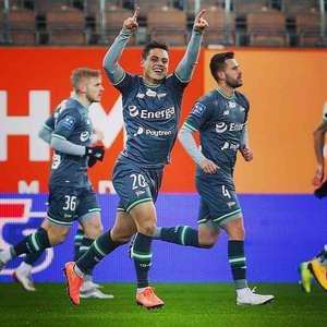 Conrado marca primeiro gol da temporada com o clube polonês