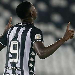 Entre decisões, Botafogo foca no retorno de vitórias no Brasileirão
