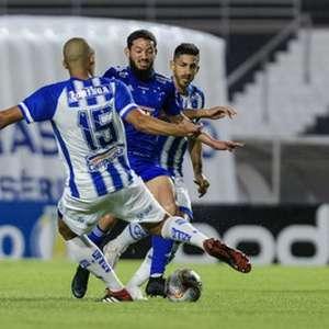 Cruzeiro leva três do CSA e se complica na Série B