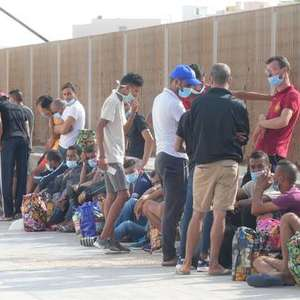 Lampedusa tem 12 desembarques durante a madrugada