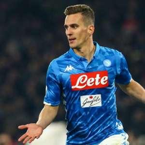 Tottenham busca a contratação de Arkadiusz Milik, do Napoli