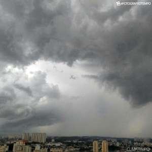 Primavera começa com chuva e frio em São Paulo