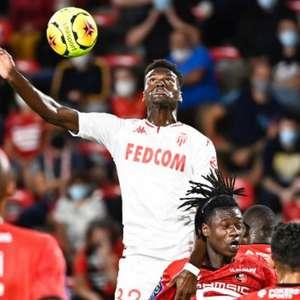 Manchester United busca a contratação de Benoit Badiashile