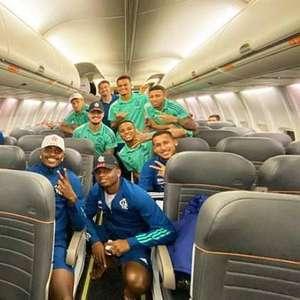 Com equipe médica no aeroporto, delegação do Flamengo ...