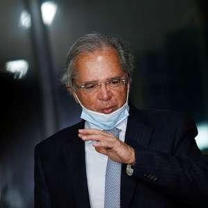 'É dinheiro na veia do povo', diz Guedes sobre programas