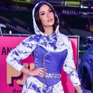 Bianca Andrade estiliza conjunto de moletom tie-dye com ...