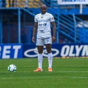Sassá se reapresenta e tem o futuro indefinido no Cruzeiro