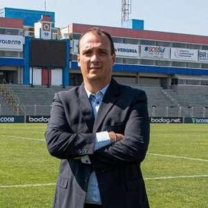 Alex Brasil valoriza elenco do Paraná pelo bom momento ...
