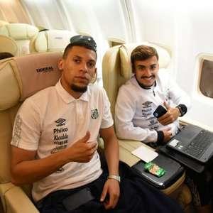 Mesmo com atraso na logística, Santos mantém treino no ...