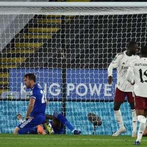 Arsenal vence o Leicester City fora de casa e avança de ...