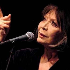 Aos 93 anos, morre Juliette Gréco, ícone da música francesa