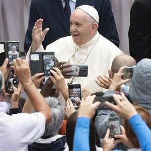 Papa cobra de legisladores ações contra aborto