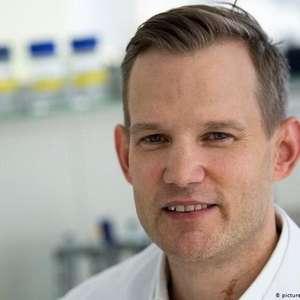 Virologista rebate mitos sobre a covid-19
