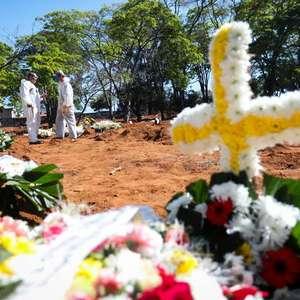 Pandemia de Covid-19 deixa mais de 139 mil vítimas no Brasil