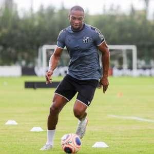 Luiz Otávio comemora dois anos do primeiro gol pelo Ceará na Série A