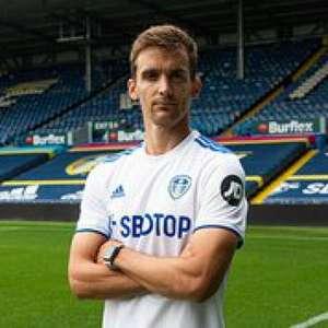 Leeds United anuncia a contratação de zagueiro da ...