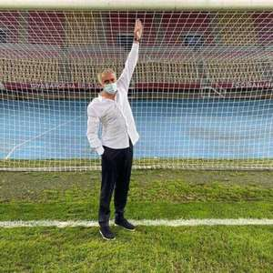 Mourinho revela que traves em jogo do Tottenham eram 5 ...