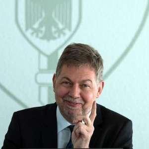 Ministra 'demite' chefe do serviço secreto alemão