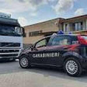 Migrante se esconde em caminhão e morre atropelado na Itália