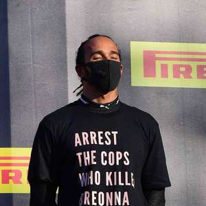 Hamilton diz que FIA vai mudar regras após protesto. Mas ...