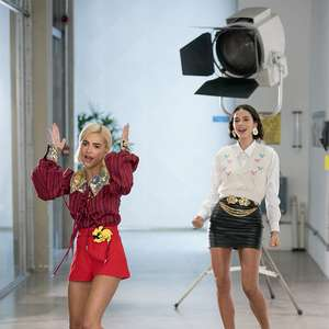 Manu Gavassi e Bruna Marquezine apresentam MTV Miaw ...