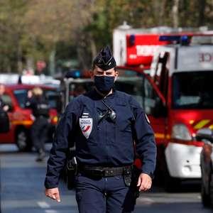 Ataque com faca deixa 4 feridos em Paris; uma pessoa é presa