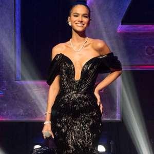 Bruna Marquezine rouba a cena com looks no MTV MIAW: ...