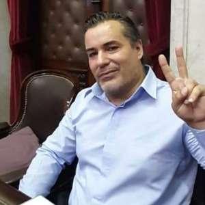 Deputado argentino renuncia após ato erótico ao vivo