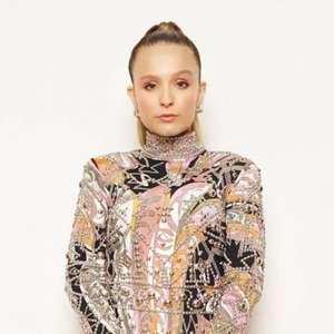 Larissa Manoela repete vestido usado por Gisele Bündchen ...