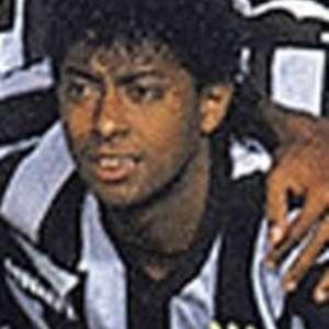 De casa com o L!: Ex-meia Carlos Alberto Dias é o ...