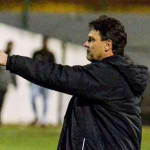 Brigatti dispara contra pressão na Ponte: 'Ninguém está insatisfeito'