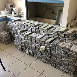PF pega mais de 1,3 tonelada de cocaína após perseguições