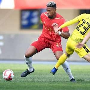 Dominic, ex-Athletico-PR, conta como foi deixar o Brasil cedo para jogar na China