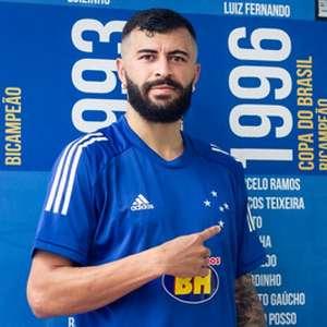 Cruzeiro vai emprestar o lateral-esquerdo João Lucas ...