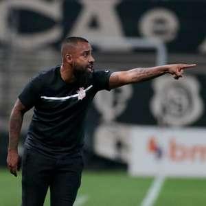 Em busca do time ideal, Corinthians não repetiu ...