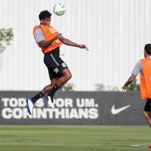 Corinthians treina bola parada e fecha preparação; veja ...