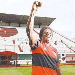 Ídolo do Flamengo, atacante Silva 'Batuta' morre aos 80 ...