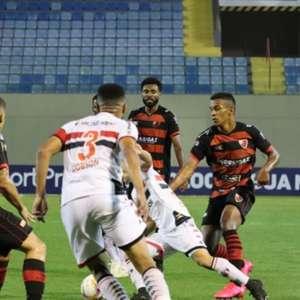 Fora de casa, Botafogo-SP deixa a zona da degola na Série B vencendo o Oeste