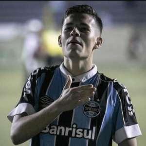 Grêmio trabalha para renovar com joia da base