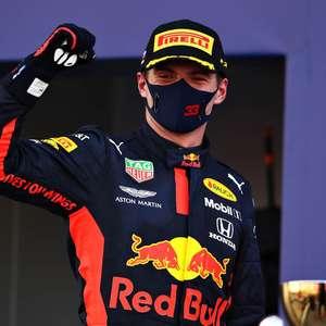 Verstappen divide Mercedes e mantém sequência impecável ...