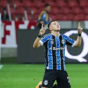 Presidente do Grêmio descarta negociar Pepê
