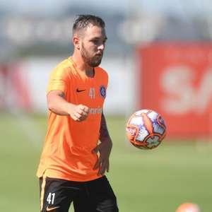 Emprestado pelo Inter, Bruno José fecha com o Brasil de ...