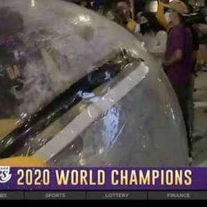 Torcedor dos Lakers inova em festa e cria 'bolha' pessoal