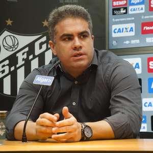"""Fifa """"aperta"""" clubes devedores, incluindo times brasileiros"""