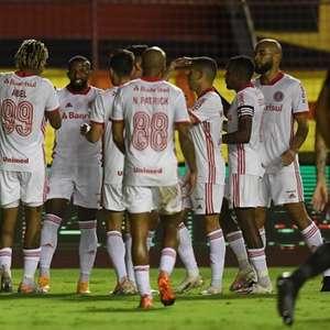 Em jogo de 8 gols, Internacional bate Sport fora de casa